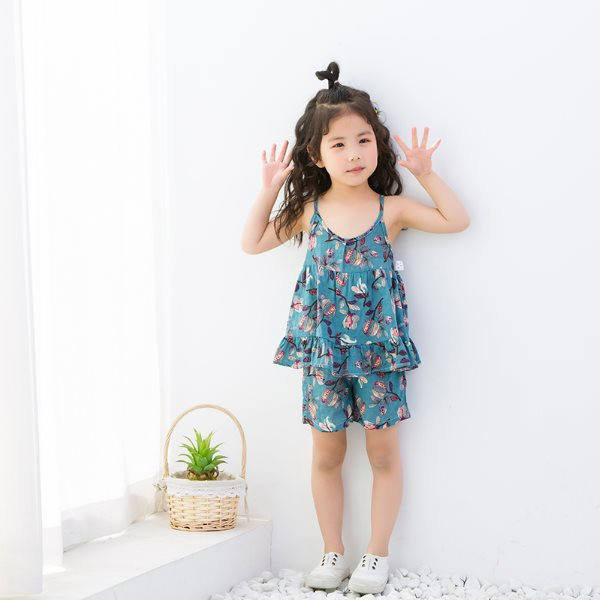 Summer New Children S Cotton And Linen Suit Girls Suspenders Shorts Two Piece Girls Air Conditioning Clothes Home Pajamas